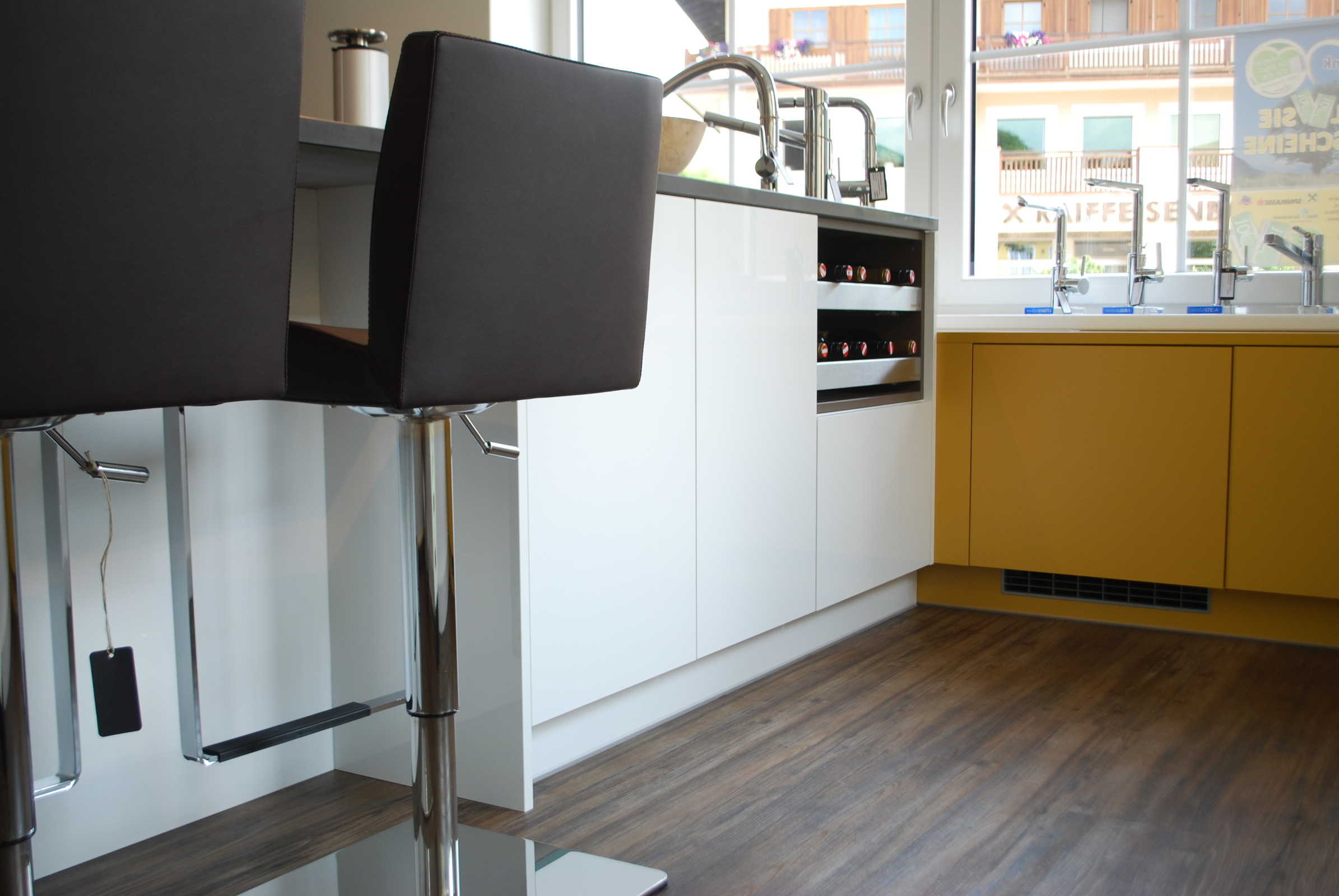 HAKA Küche, Kücheninsel Acryl Reinweiß Hochglanz › Taxer einrichten