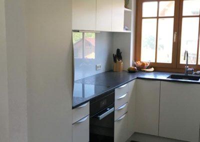 Küche Ausführung matt mit Granit Arbeitsplatte 1