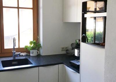 Küche Ausführung matt mit Granit Arbeitsplatte 2